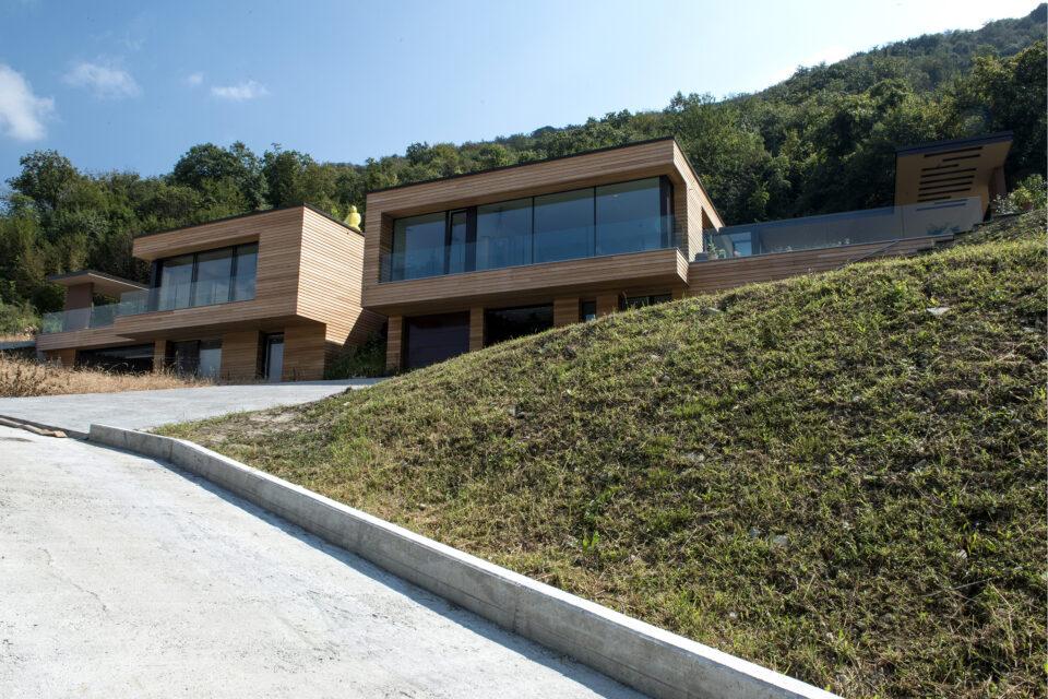 Immagine per Ville residenziali in legno con parapetti in vetro sul Lago d'Iseo - 3