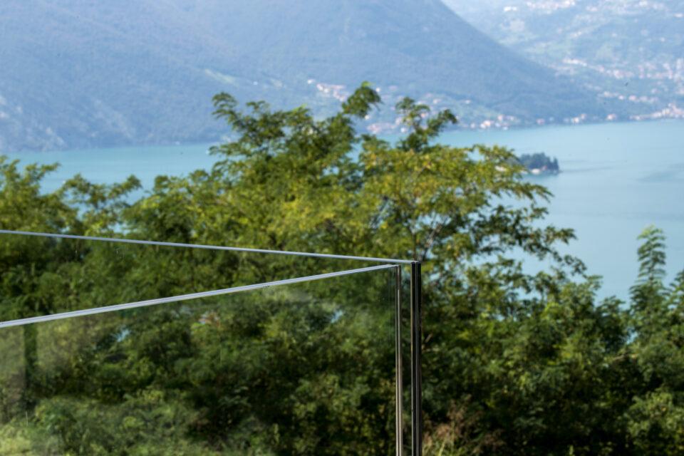 Immagine per Ville residenziali in legno con parapetti in vetro sul Lago d'Iseo - 7