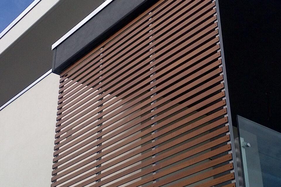 Immagine per Frangisole, balconi e facciata ingresso in hpl tinta legno - 5