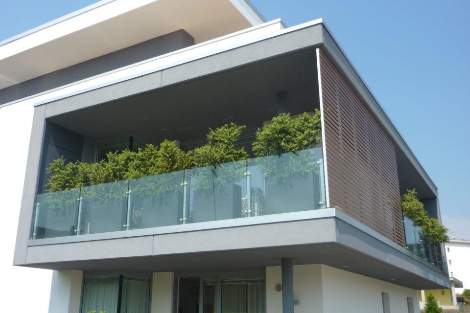 Immagine per Frangisole, balconi e facciata ingresso in hpl tinta legno