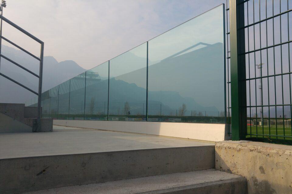 Immagine per Tribuna con parapetto in vetro