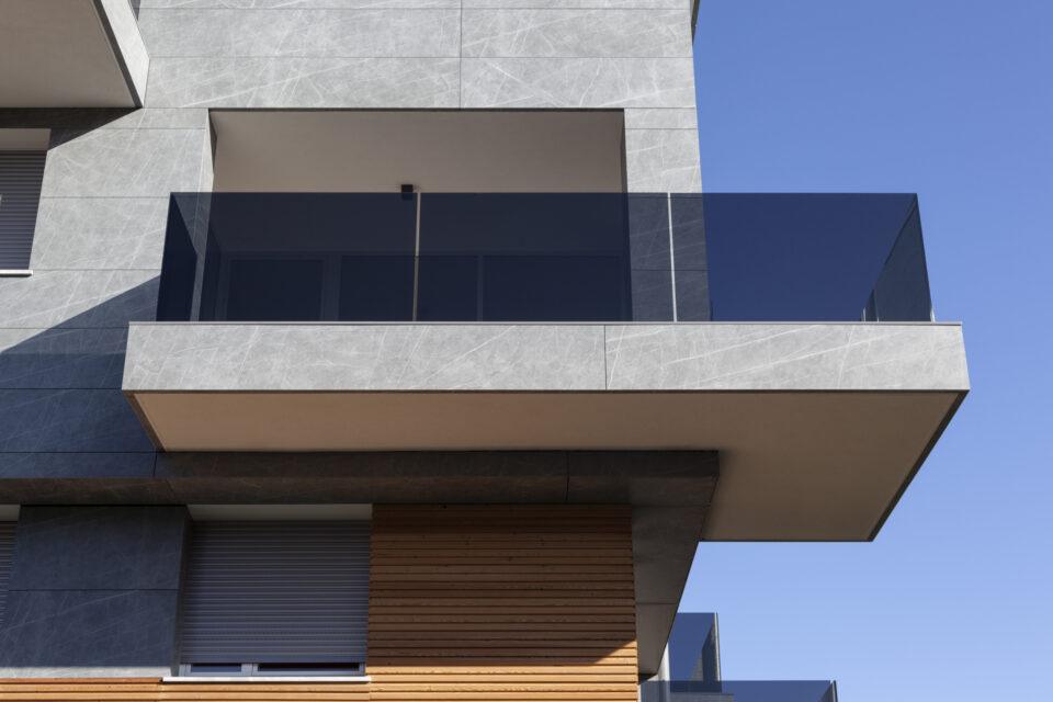 Parapetti in vetro color grigio fumè - Trento