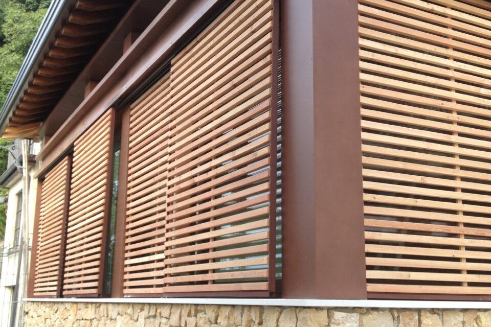 Immagine per Brise soleil scorrevoli in legno - 2