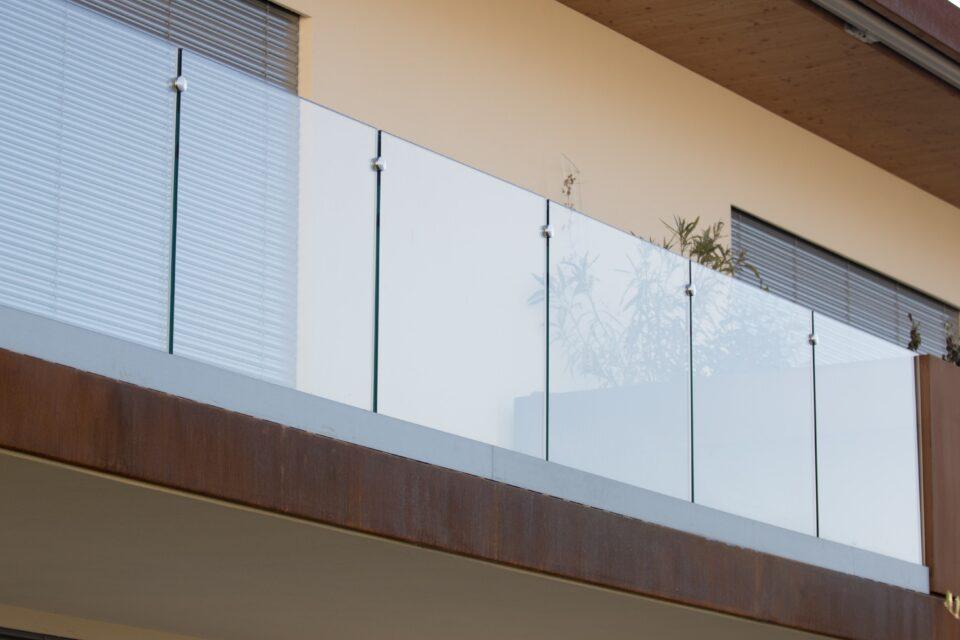 Immagine per Parapetti in vetro trasparente - 2
