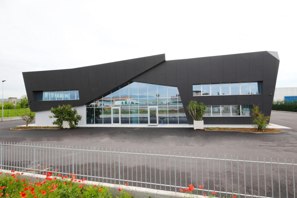 Immagine per Rivestimento edificio a Bedizzole - 3