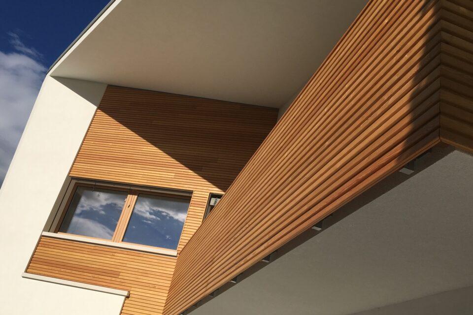 Immagine per Parapetti e facciata in legno di larice - 4