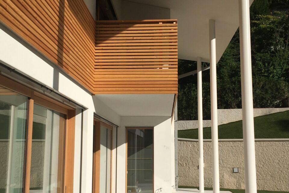 Immagine per Parapetti e facciata in legno di larice - 3