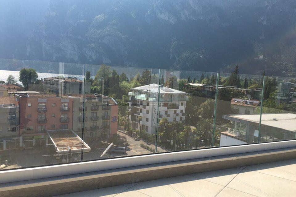 Immagine per Parapetto in vetro con profilo guida a Riva del Garda - 4