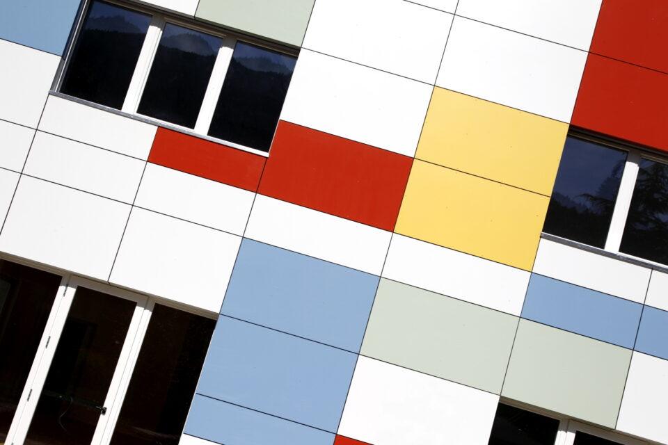 Immagine per Scuola a colori in hpl a Albiano - 3