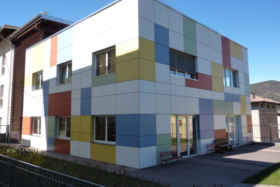 Immagine per Scuola a colori in hpl a Albiano