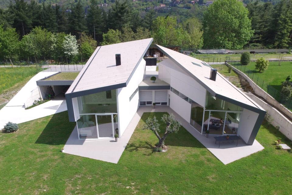 Immagine per Villa rivestita in HPL dalle facciate sino alla copertura