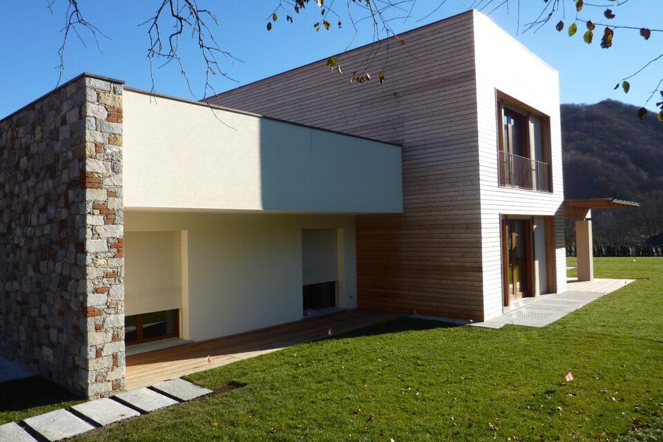 Immagine per Villa in legno a Borgosesia