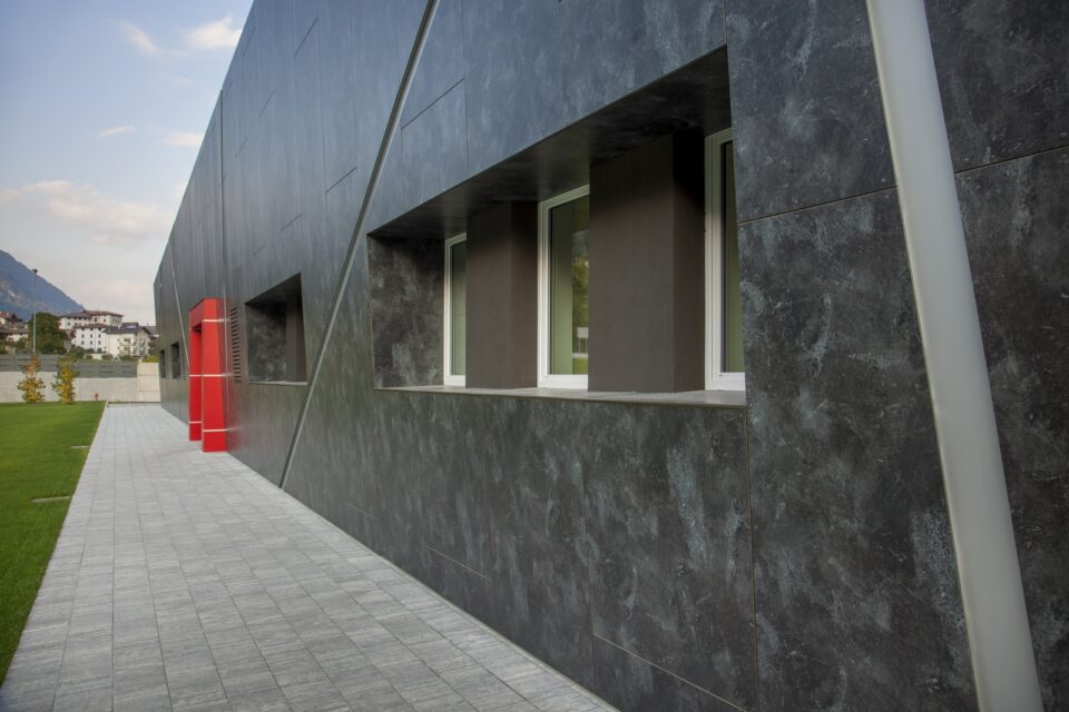 Restyling facciata HPL - BM GROUP