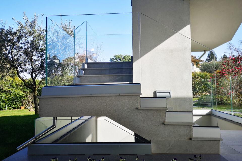 Immagine per Parapetto in vetro - 7