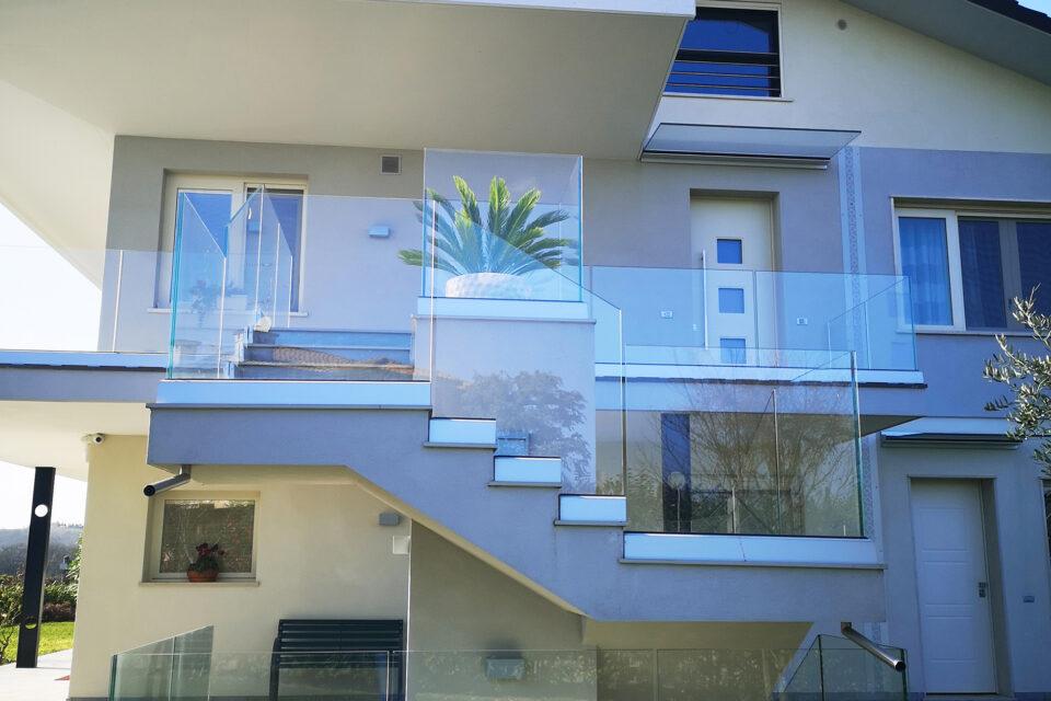 Immagine per Parapetto in vetro - 3