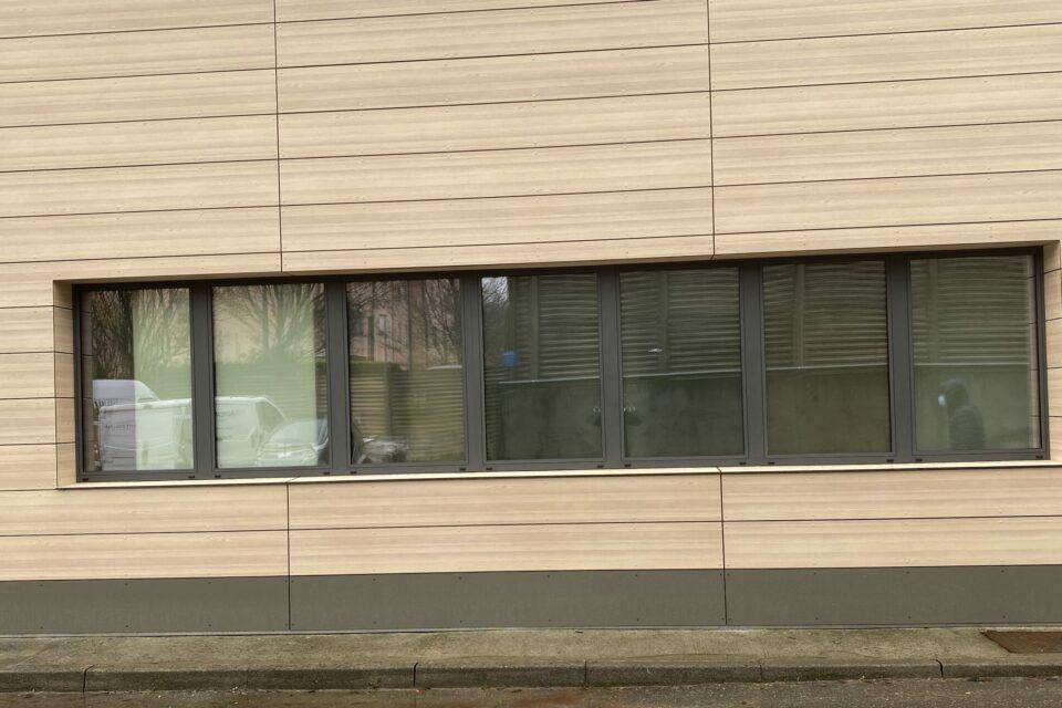 Immagine per Restyling aziendale facciata ventilata con pannelli HPL - 4
